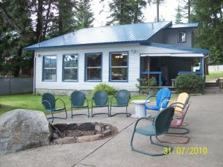 TWIN LAKES, IDAHO WATERFRONT VACATION HOME, Rathdrum