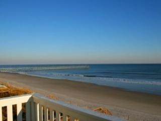 Ocean Front 5 Bedrooms with elevator, North Topsail Beach