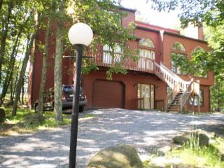 Prestige Vacation Luxury Home, East Stroudsburg