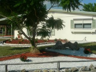 Charming, Delightful Home / Summer discounts, Port Charlotte