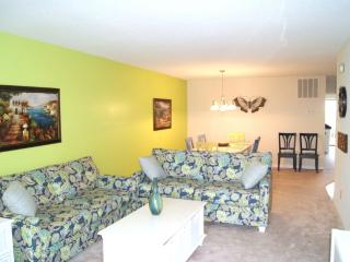 3 B/R 2 Bath Ocean Front 1st Floor Condo with Pool, Carolina Beach
