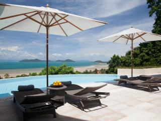 Villa Serendipity- Stunning Views to the Mainland, Laem Set