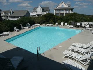 Ocean Views, Community Pool/Tennis Court, Beach!, North Topsail Beach