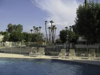 Classy, Updated Home, Warm Pool, Tennis, Mtn Views, Palm Desert