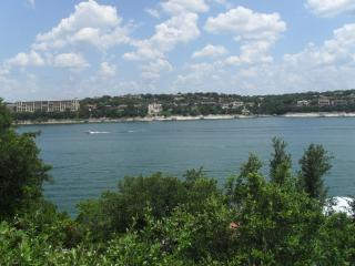 Paradise on Lake Travis - 4 BR/3 BA, Lago Vista