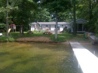 Great house with 150 feet of Private beachfront, Paw Paw