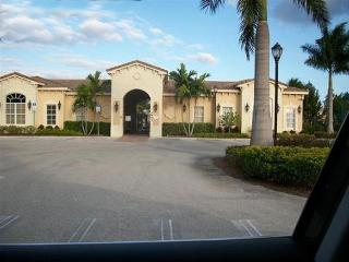 The Townhouse of SAN SIMEON, Fort Myers