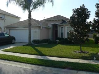 Beautiful 4 BR/3BA Private Pool, Haines City