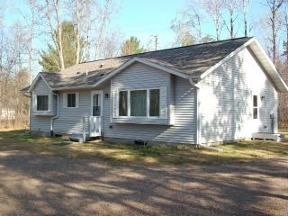 Year-round Minocqua Vac. Home  -Many lakes nearby., Woodruff