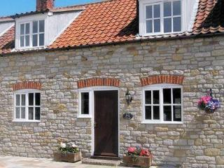 BARN COTTAGE, Kirkbymoorside