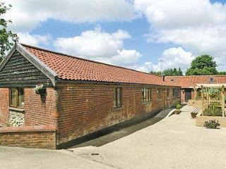 THE STABLES, Dereham