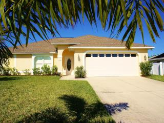 Villa Mango Garden, large heated pool!, Cape Coral