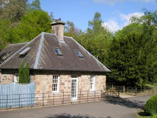 Gamekeeper's Cottage + Sauna, Crieff