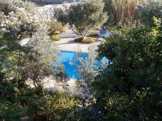 Large Villa with Stunning Pool, Glinado