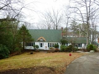 Spacious Governors Island Waterfront Home, Gilford