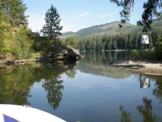 Beautiful Twin Lakes Id, Waterfront Cabin, Rathdrum