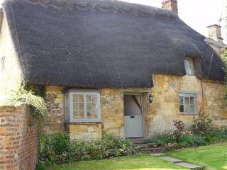 Tea Cosy Cottage, Chipping Campden