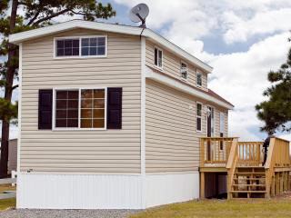 One Bedroom Cottage on Chesapeake Bay Resort!, New Point