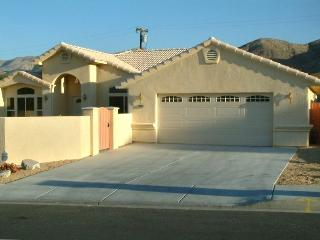 Private Pool & Spa Home with Mountain Views!, Desert Hot Springs