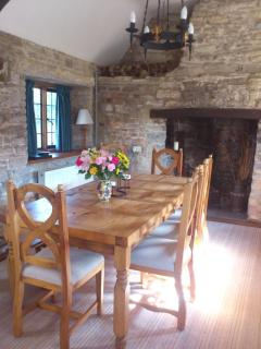 Dining room with refectory table seating