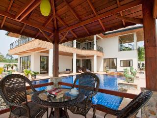 AMAZING 5 Bed Pool Villa with FREE Car, Pattaya