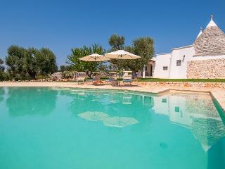 Luxury trulli with pool, Ceglie Messapica