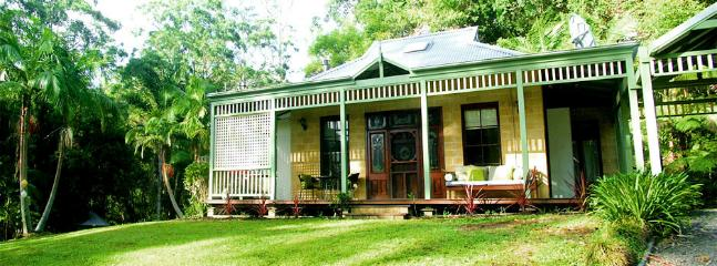 You'll love the secluded, pet friendly cottage surrounded by rainforest