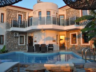 Sunset Villa & Yacht Charter Combination Holidays, Sogut