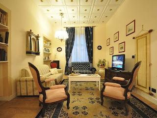 4 bedroom apartment in Florence a few steps from the Cathedral