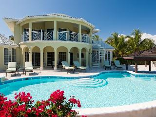 Adam and Eve at Providenciales, Turks and Caicos - Short Drive To Beaches, Pool