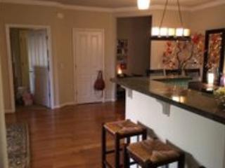 Gleaming living/dining area and kitchen