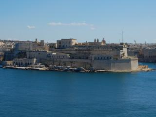 Majestic Town House with Views, Valletta