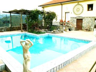 Elegant Rural Retreat, Varese Ligure