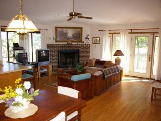 Clubhouse Retreat, Hedgesville