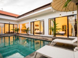 Villa Allegra, Luxury 3 bedroom Villa Oberio, Seminyak