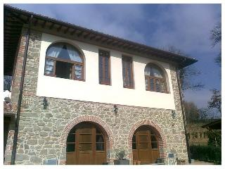 Lovely Tuscan farmhouse accomodation in Figline Valdarno with pool and private garden, Figline e Incisa Valdarno