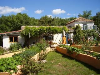 Green Chambre d'Hote  B and B awarded Greenleader., Saint-Antonin Noble Val