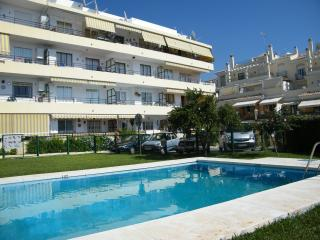 Hawii 28 Burriana beach - close to town centre, Nerja