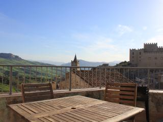 Sicily Townhouse -The BoltHole, Caccamo