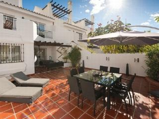 Luxury townhouse Puerto Banus