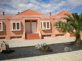 Casa Phine (1month+ stay only), Costa de Antigua