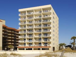 Clearwater 4D ~ Inviting Beachfront Condo, Gulf Shores