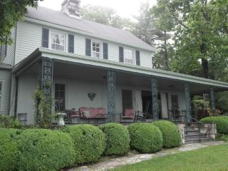 Historic vacation home with spectacular mountain views. Minutes from Main Street Highlands, NC