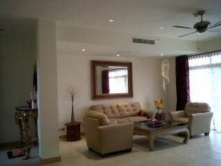 2 bedroom @ Hua Hin Blue lagoon close to SHERATON
