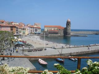 Apartment in Collioure with seaview and pool
