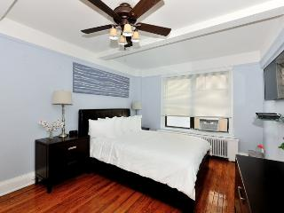 East Side Spacious 2 bed 1 bath, New York