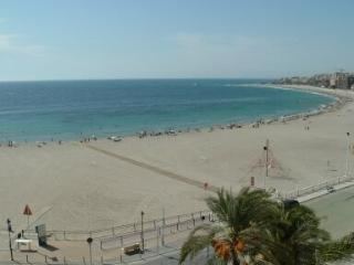 Seafront Apartment with Garden, Villajoyosa