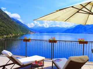 2 Bedroom lakeside penthouse apartment, Argegno