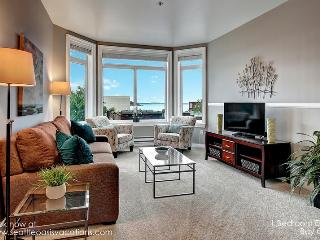 1 Bedroom ElIiott Bay Oasis! Filling up fast for fall dates!, Seattle