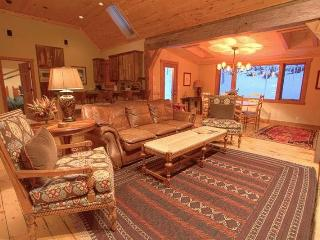 This cozy, family-friendly vacation rental in Mountain Village provides a home away from home on vacation.